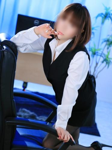 広島市中区薬研堀のヘルス AGORA(アゴラ)早朝6:00オープン!!厳選美人OLが連日多数出勤!! 小柄美女 こはるさんの画像