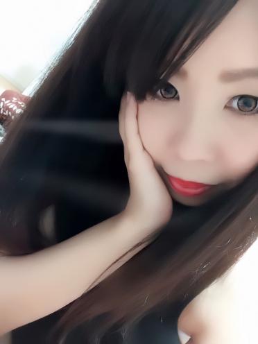 広島市中区薬研堀のヘルス AGORA(アゴラ)早朝6:00オープン!!厳選美人OLが連日多数出勤!! 黒髪の似合う美女 くおんさんの画像