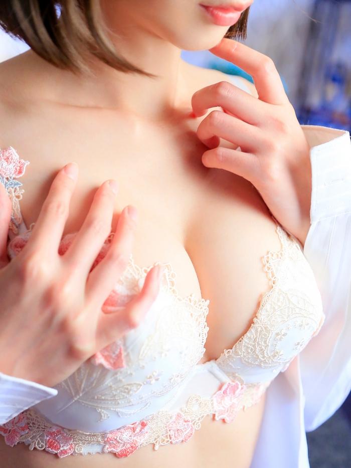 広島市中区薬研堀のヘルス AGORA(アゴラ)早朝6:00オープン!!厳選美人OLが連日多数出勤!!  来ちゃいました!画像