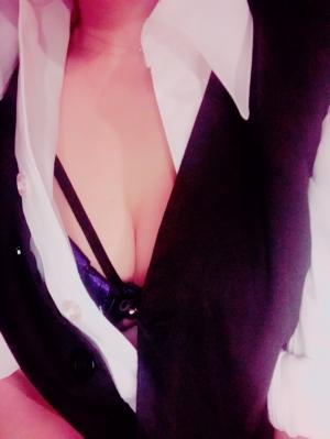 広島市中区薬研堀のヘルス AGORA(アゴラ)早朝6:00オープン!!厳選美人OLが連日多数出勤!! 写メ日記 こんばんは〜^ ^画像